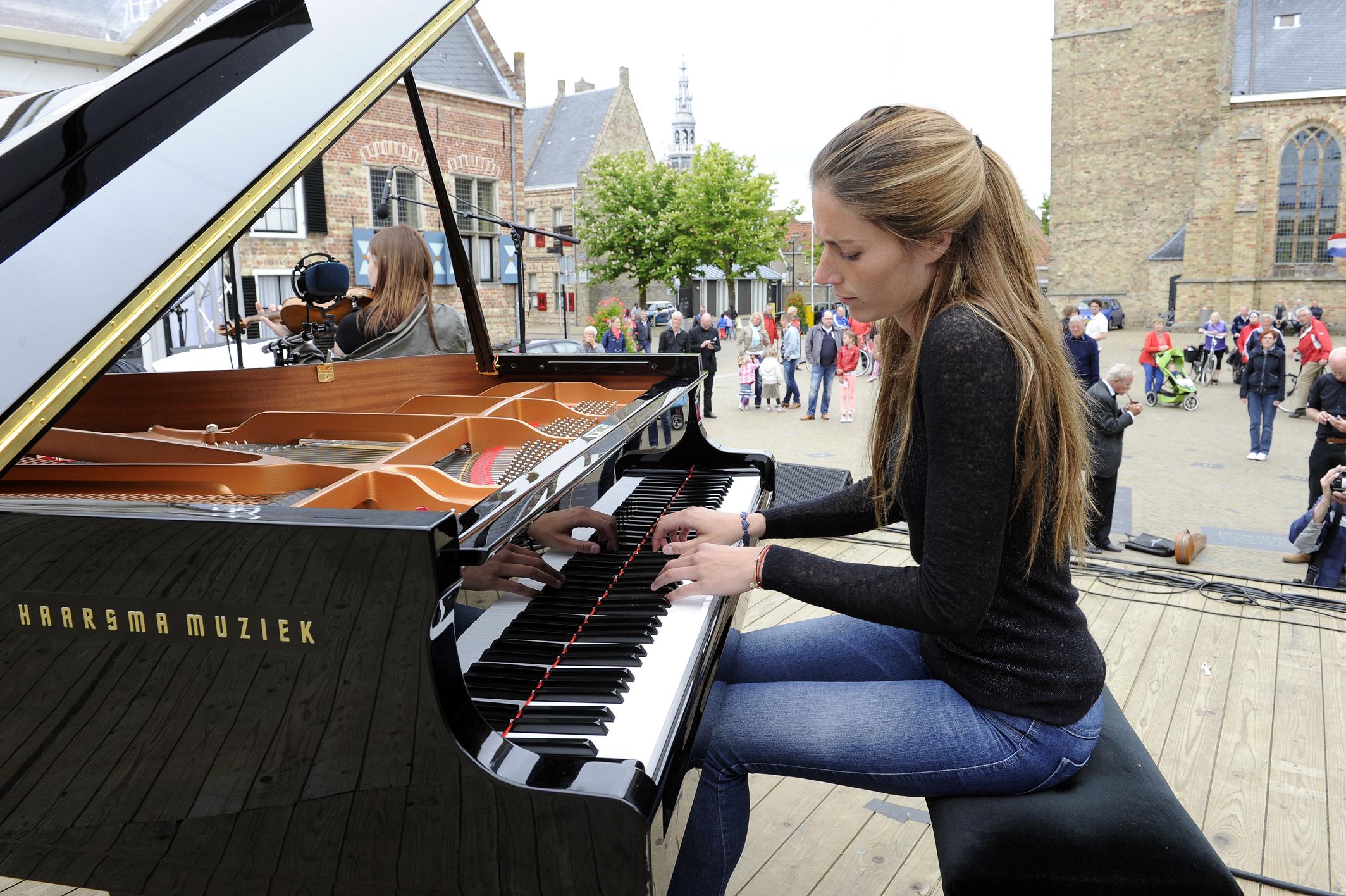 City Proms van stichting Muzthinc, met Margot Hoiting uit Harlingen als festivaldirecteur. In het centrum van Franeker trad Het Mantingi kwartet o.a. op, ook wel bekend van radio en tv.